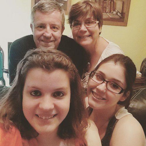 Familia del escritor / Foto: Facebook Jose Vte Garcia