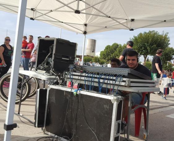 Equipo de sonido para los eventos / Foto: Alejandro Piquero Serrano