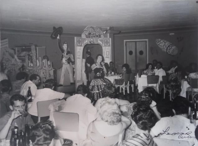 La cantante y bailaora en una actuación en el Cabaret Rumba Palace / Foto cedida por: Caridad Lescaílles Farina