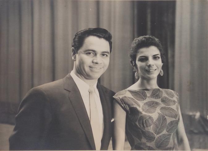 Lucho Gatica, en el Teatro Lírico Nacional de Cuba, trabajó junto a Maruja de Triana / Foto cedida por: Caridad Lescaílles Farina