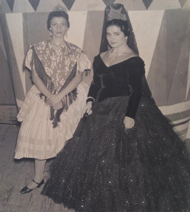 Maruja de Triana también pisó los tablaos del Teatro García Lorca junto a Juanita Reina / Foto cedida por: Caridad Lescaílles Farina