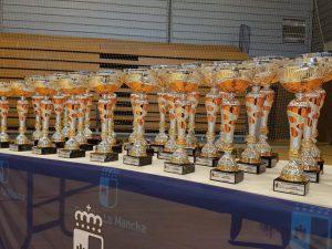 Copas para de las distintas categorías de la competición.