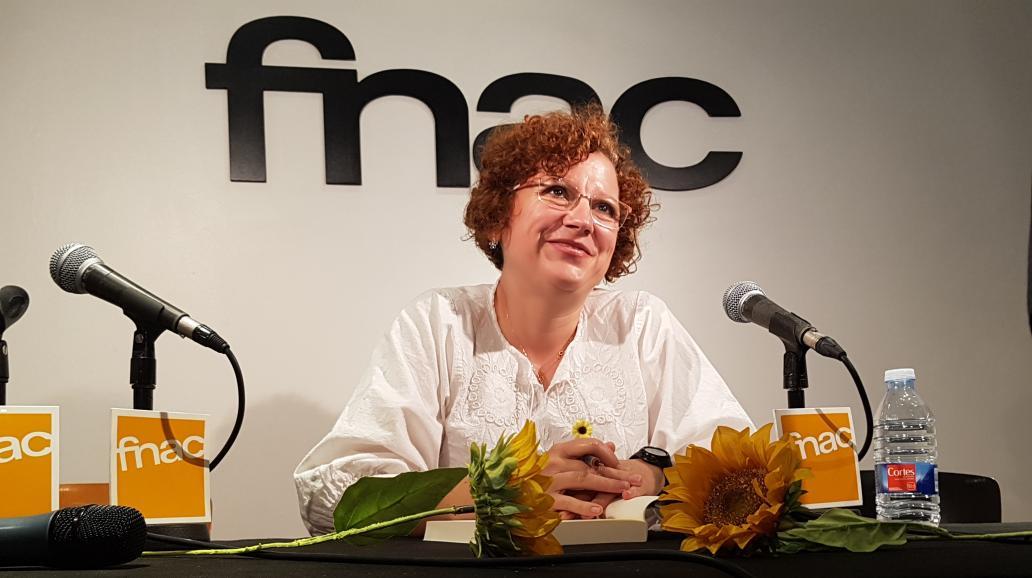Susana feliz en la firma de su libro / Foto: Alejandro Piquero Serrano