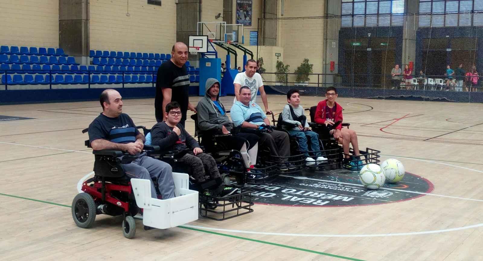 Parte del equipo Club de Deportes Adaptados Furia, los precursores del Fútbol motorizado. / Foto: fipfa.org