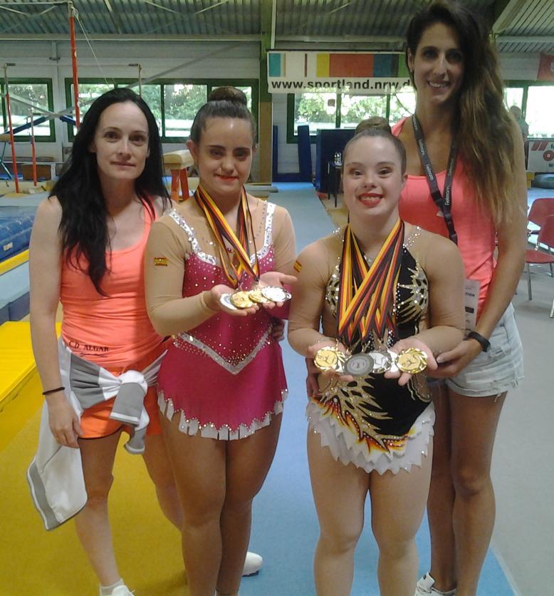Titi Alberola (técnico), María Díez (gimnasta), Sara Marín y Lídia Marín (técnico) de izquierda a derecha